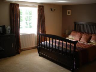 Deverill Valley B&B, Near Longleat Safari Park - Warminster vacation rentals