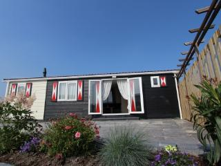Comfortable Chalet with Internet Access and Shared Outdoor Pool - Vrouwenpolder vacation rentals
