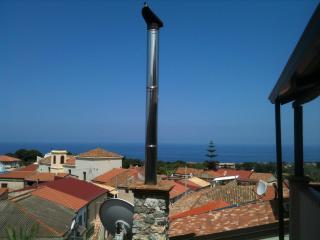Charming sea-view Penthouse in Capo Vaticano (2km to sea). - Capo Vaticano vacation rentals