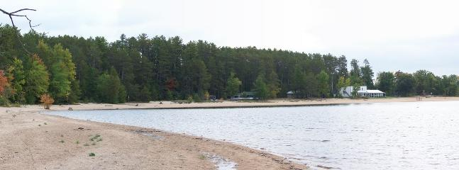 Sheenboro Quebec beach cottage near Pembroke - Image 1 - Sheenboro - rentals