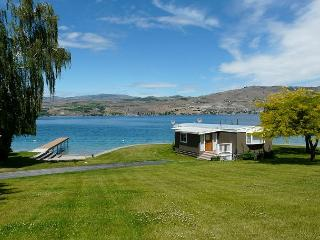 1 Bedroom Waterfront Cabin Large Lawn by Sage Vacation Rentals - Chelan vacation rentals