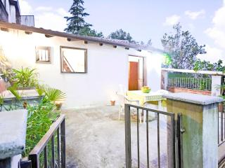 Lil' cottage sea-mountain view - Catania - Catania vacation rentals