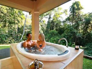 Luxurious Secluded Romantic - Just For Two - Kuranda vacation rentals