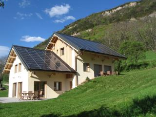 Nice Cottage with Internet Access and Dishwasher - Montagnole vacation rentals