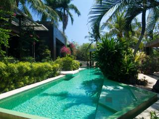 5* ESTATE MANSION LUXURY TRANQUIL CHEF DRIVER POOL - Canggu vacation rentals