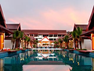 L'esprit de Naiyang Resort (Phuket Airport) - Thalang vacation rentals