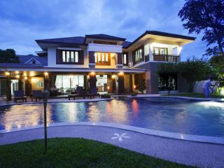 Magnificent Large Villa with Private Swimming Pool - Chiang Mai Province vacation rentals