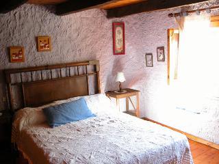 Can Solà: El Solà de Baix - La Vall de Bianya vacation rentals