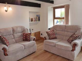 SAFE HAVEN, terraced cottage, central location, woodburner, garden, in Tywardreath, Ref. 27437 - Tywardreath vacation rentals