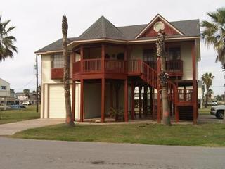 North View - One Block from Beach, Pool, Fishing Pier, Boat Launch - Galveston - rentals