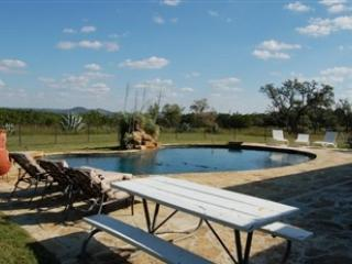 3/2 & 1/1 Pool/ Hot Tub!  Bandera TX Ranch - Bandera vacation rentals