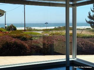 Ocean Vus! Large Comfy Home just 1/2 Blk to Beach! - Morro Bay vacation rentals