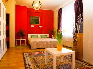 Apartment Zumin - Silent home at the Synagoge - Budapest vacation rentals