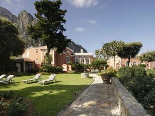 Bright 9 bedroom Capri Villa with Dishwasher - Capri vacation rentals