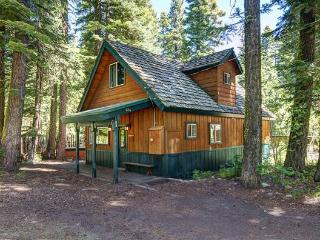 Cozy House with Internet Access and Dishwasher - Tahoma vacation rentals
