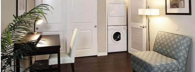 Charming Hollywood one bedroom with balcony (4342) - Image 1 - Los Angeles - rentals