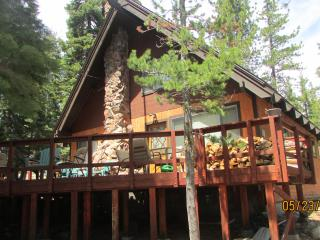 Carlin-Chamberlands cabin, pool,beach,tennis,WIFI - Tahoe City vacation rentals