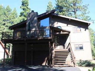 Poucher-backs to Nordic center, hot tub, pets ok - Carnelian Bay vacation rentals