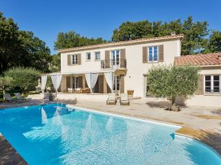 Comfortable Bastide in Lub - Chateauneuf-de-Gadagne vacation rentals