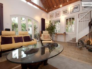 Beautiful 3 bed 3 bath Mews House with patio, London Bridge - London vacation rentals