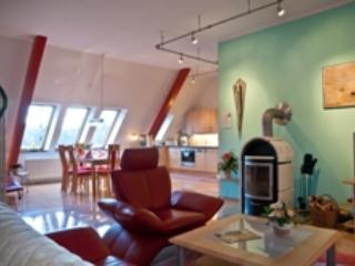 LLAG Luxury Vacation Apartment in Lueckendorf - 969 sqft, high-quality, modern, comfortable (# 4399) - Oybin vacation rentals