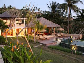 Perfect 4 bedroom Villa in Senggigi - Senggigi vacation rentals