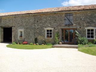 La Grange Modern Converted Barn Vanzay Deux Sevres - Sainte-Soline vacation rentals