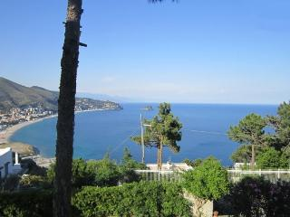 Amazing Villa on the Gulf - Noli/Varigotti 2BR- 6P - Noli vacation rentals
