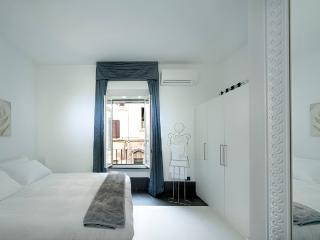 Intimate Suite for couples - Rome vacation rentals