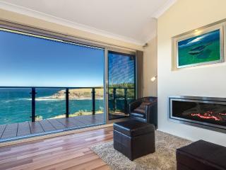 Ocean 360 on the Bay - breathtaking ocean views - Mollymook vacation rentals