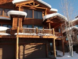 Luxury town home with private hot tub and shuttle - Steamboat Springs vacation rentals
