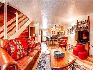 Close to Snowflake Lift and Main Street - Stylish Mountain Charm & Lovely Views (13393) - Breckenridge vacation rentals