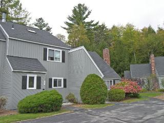 A0121- Managed by Loon Reservation Service - NH Meals & Rooms Lic# 056365 - North Woodstock vacation rentals
