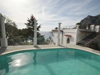 APPARTAMENTO LA GRANSEOLA A (NEW) - SORRENTO PENINSULA - Marina del Cantone - Italy vacation rentals