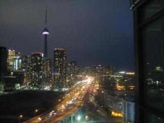 Luxury  Condo over the skies of Toronto! spectacul - Toronto vacation rentals