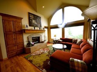 Fantastic 4BR Highlands Westview, Ski In/Ski Out In The Heart of Beaver Creek, Sleeps 10 - Beaver Creek vacation rentals