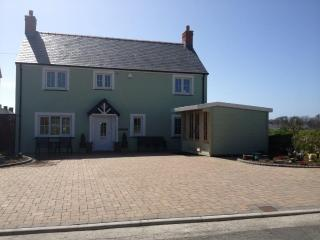 5* Pet Friendly Holiday Home-Maes Y Gwaelod, Solva - Solva vacation rentals