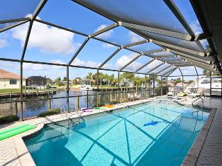Villa Angie - Large Pool, amazing view - Cape Coral vacation rentals