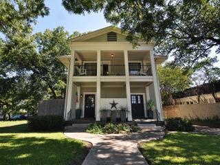 Downtown/Bishop Arts District-Walkable Neighborhod - Dallas vacation rentals
