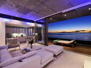 Beachfront penthouse with panoramic views&Jacuzzi - Western Cape vacation rentals
