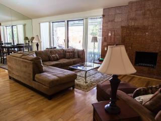 Spacious House with Internet Access and Dishwasher - Palm Springs vacation rentals