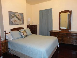 East End 2nd Floor 2 BR Apt. on Bus Line - Pittsburgh vacation rentals