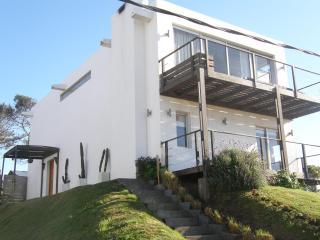 Pantai Kapal Montoya, La Barra, Punta del Este - La Barra vacation rentals