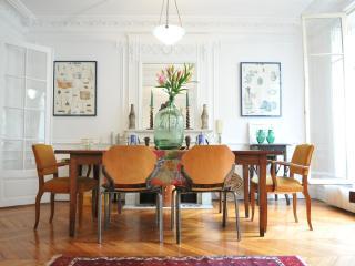 Central Paris Luxury Apt - Ile St. Louis 4th - Paris vacation rentals