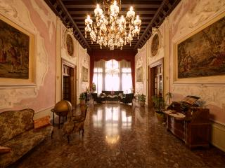 Luxury apartment FrancescoAlgarottiHouse - Venice vacation rentals