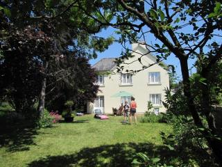 Spacious child-friendly villa near medieval Dinan - Dinan vacation rentals
