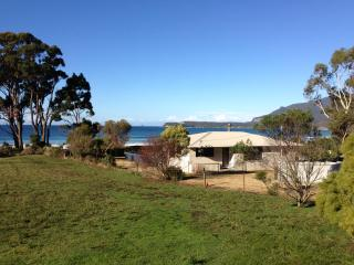 Nice House with Deck and A/C - Eaglehawk Neck vacation rentals