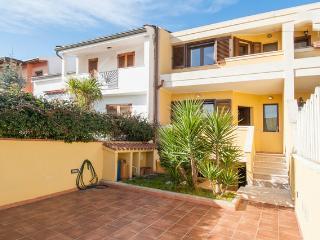 Beautifull villa with appartment and garden. - Selargius vacation rentals