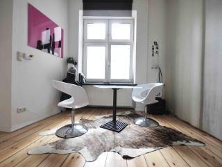 Berlin-Kreuzberg, Apart-studio Gaston, for an ideal and original stay. - Berlin vacation rentals