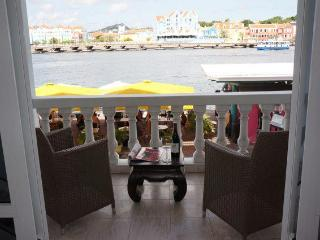 Willemstad City Comfort Apartment On The Bay - Willemstad vacation rentals